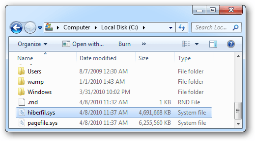 look-up-hiberfil-sys-file-in-file-explorer-before-add-disk-space.png